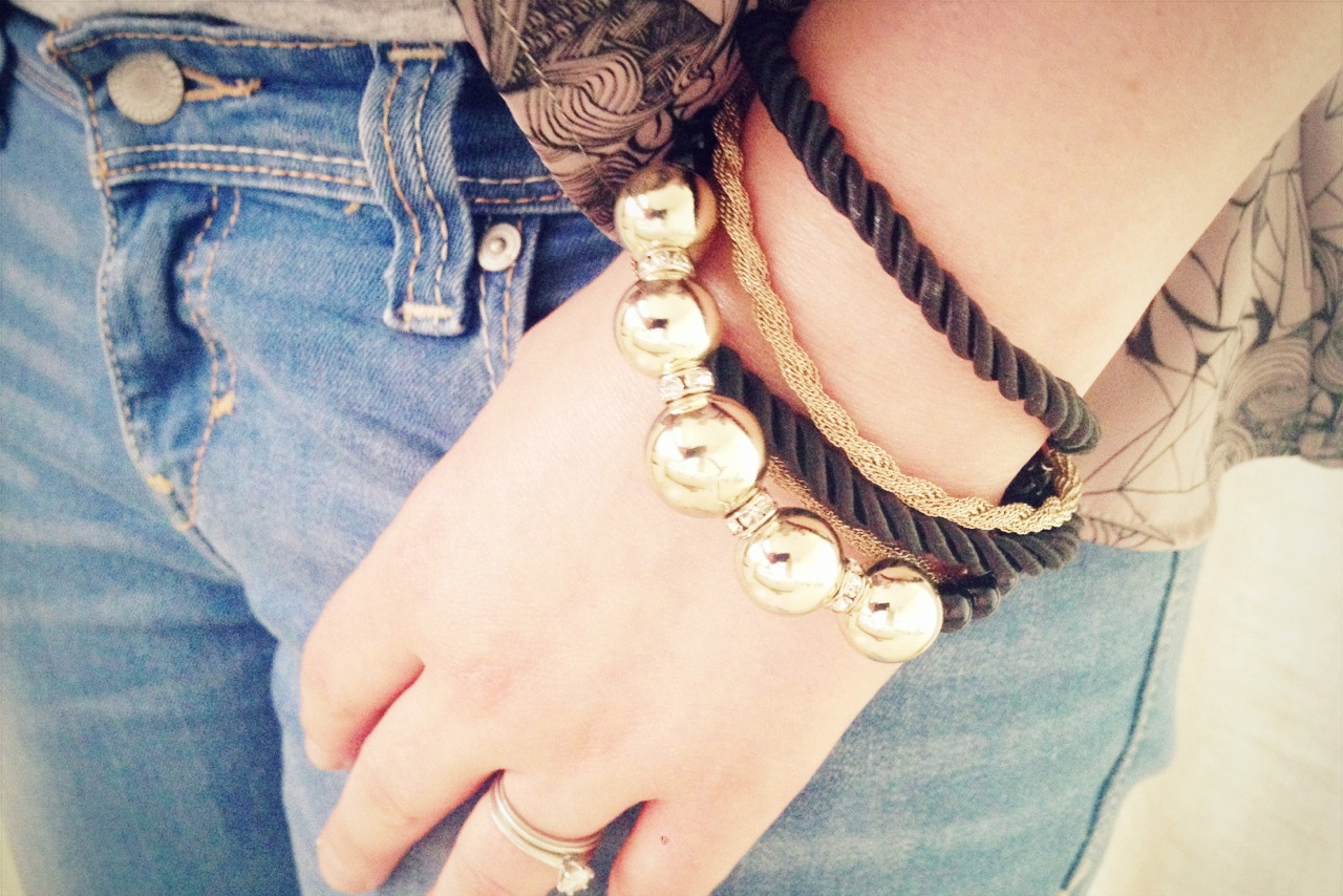 ... jeans (Levi's), bracelet (Tea Label http://www.tealabel.co